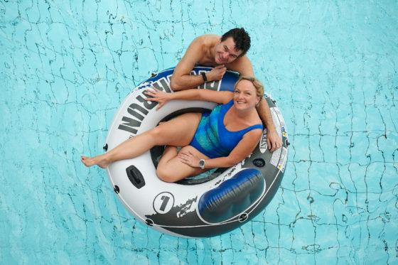 Paare kommen zum Erholen und Saunieren gerne ins Geibeltbad Pirna.